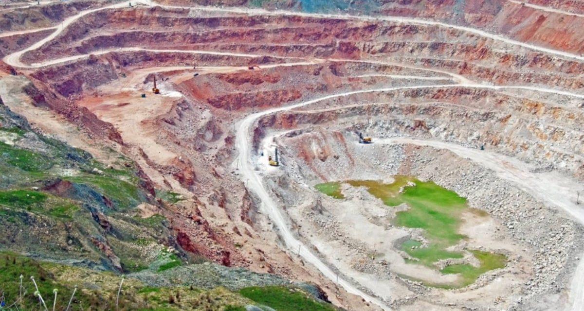 Rare Earth vs. Common Knowledge